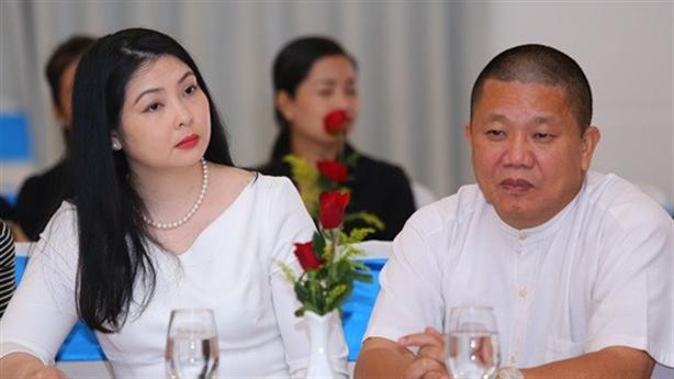 Phạm Nhật Vượng 'bay hơi' 500 triệu USD, cắt lương đại gia