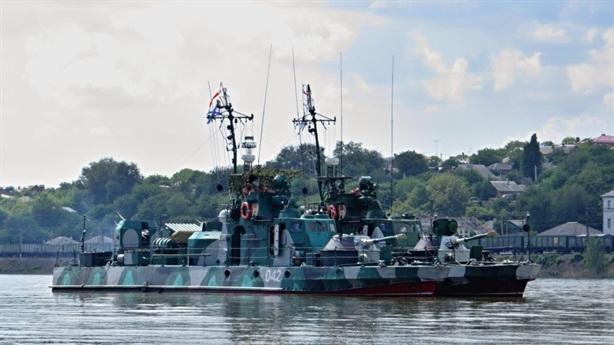 Nga điều gấp tàu đến Biển Azov sau tuyên bố của Mỹ