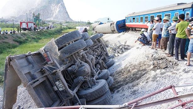 Cục đường sắt nói không có lỗi: Đừng vội bao biện...
