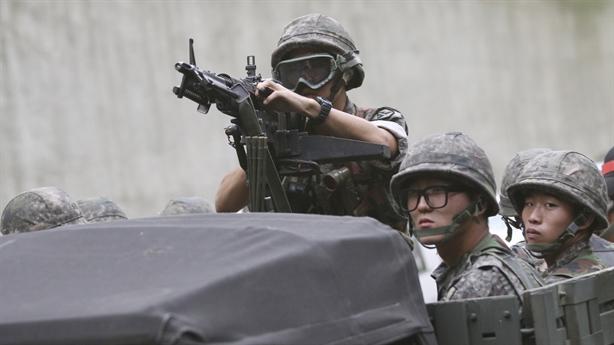 Hàn Quốc loay hoay giữa đồng minh và huynh đệ