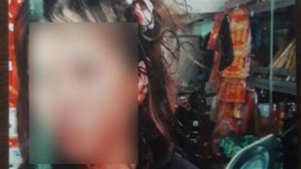Vợ nghi bị bồ nhí của chồng đánh: Chồng giữ cho đánh