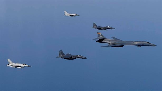 Năng lực bộ 3 máy bay tầm xa Mỹ bị gián đoạn