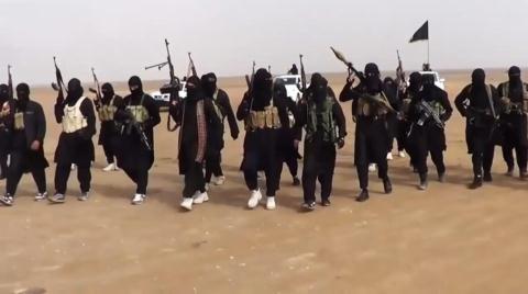 IS đánh al-Bukamal: Mỹ tặng quà người Kurd, giúp Israel chặn Iran?