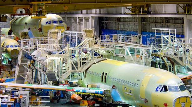 Việt Nam làm cửa máy bay Boeing777: Khó thoát gia công