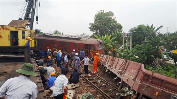Lãnh đạo ngành đường sắt bị 'phê bình nghiêm khắc': Lạ quá