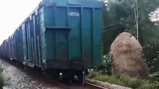 Thêm sự cố đường sắt, lại nhớ chuyện 'phê bình nghiêm khắc'