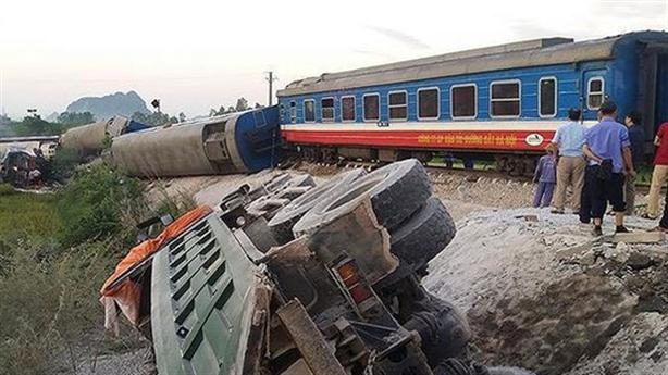 'Sếp' đường sắt chỉ bị 'phê bình nghiêm khắc': Đúng quy định!