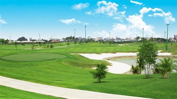 Xin chuyển đất sân golf sang nhà ở: Quyền lợi ai?