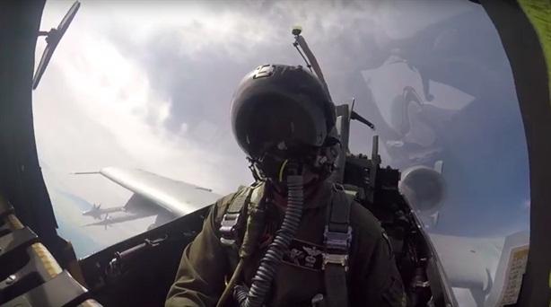 A-10 phô diễn hỏa lực sau khi bị F-22/35 đánh bại