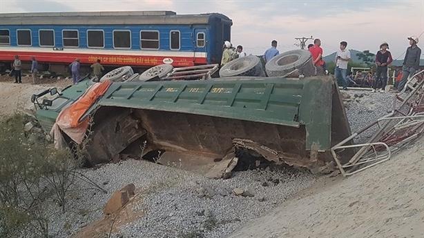 Bộ GTVT yêu cầu kiểm điểm lại lãnh đạo đường sắt