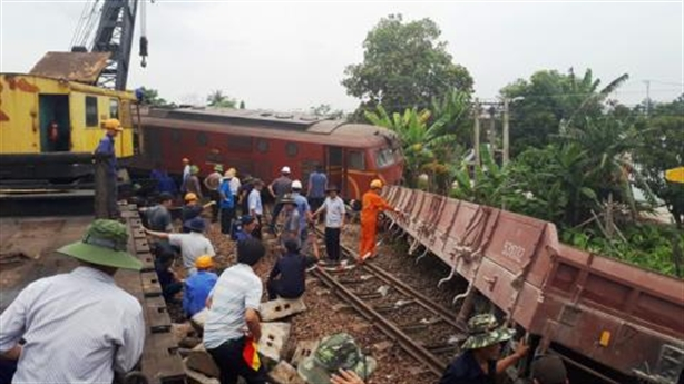 Bộ GTVT yêu cầu đường sắt kiểm điểm lại: 'Đừng giấu nữa'