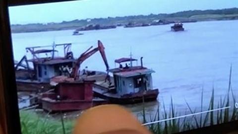 Cát tặc cạnh tàu CSGT: Băn khoăn bằng chứng cát tặc