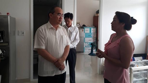 Ông Nguyễn Thiện Nhân thăm bà con Thủ Thiêm