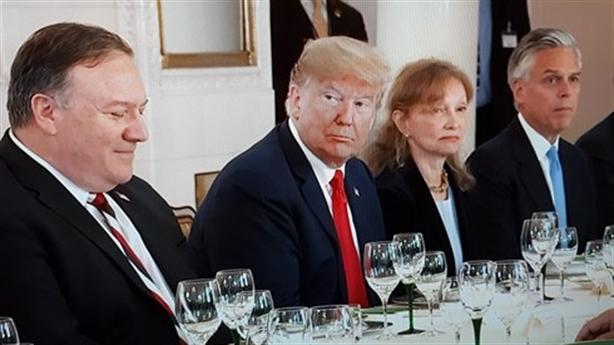 Thuộc cấp ông Trump bị vạ lây