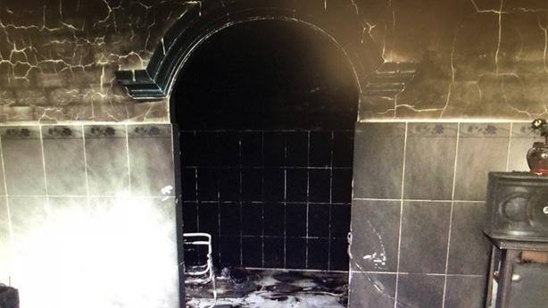 Chết cháy khi mang 20 lít xăng tới đốt nhà bạn gái