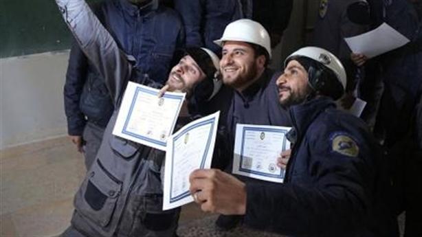 Thấy gì qua việc White Helmets bỏ chạy khỏi Syria?