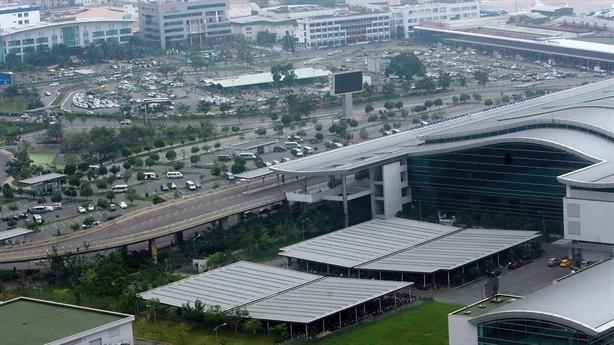 Lấy đất quốc phòng mở rộng sân bay Tân Sơn Nhất