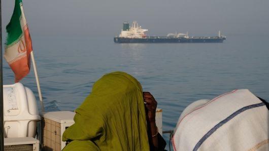 Mỹ sẵn kịch bản nóng khi Iran đóng cửa Eo biển Hormuz