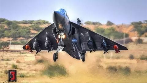 Trang bị radar AESA, tiêm kích LCA vẫn kém MiG-21