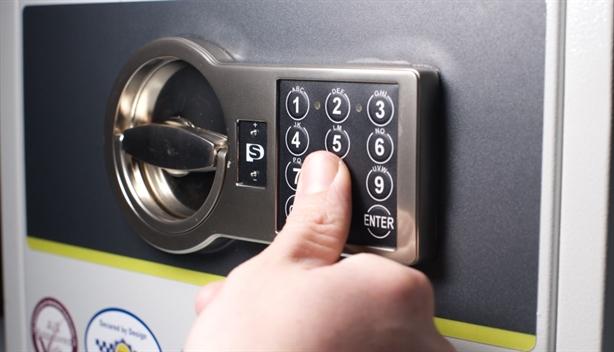 Cụ bà ghi mã két lên chìa khóa bị trộm 1,2 tỷ