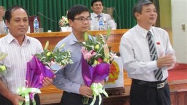 Phó Chủ tịch huyện tát nhân viên: Người làm chứng lên tiếng