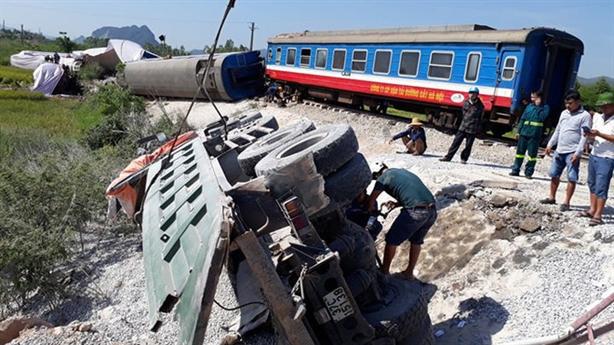 Tai nạn đường sắt liên tiếp: Lại thêm một lần kiểm điểm