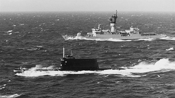 Mỹ đánh đắm tàu ngầm K-129 của Liên xô thế nào?