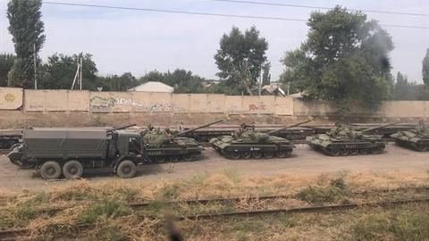 Ukraine lo ngại khi T-62M của Nga áp sát Lugansk