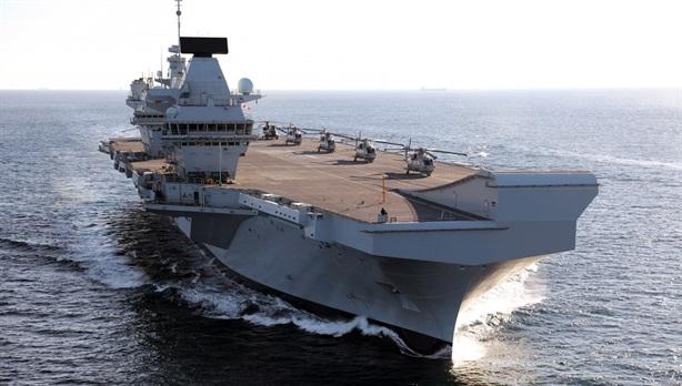 Thủy thủ tàu sân bay Anh bị bắt ngay khi đến Mỹ