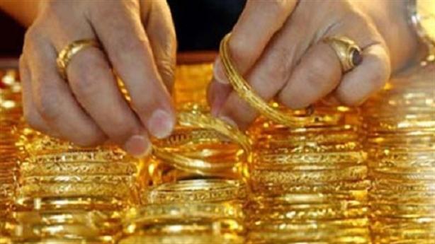 Vợ tố lấy 85 cây vàng, chồng bị tạm giam