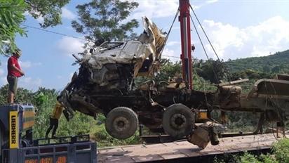 Tai nạn 13 người chết: Tài xế xe bồn quá hoảng loạn?