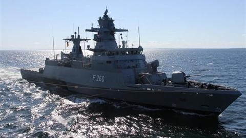 Chiến hạm Đức phát hỏa khi tuần tra Baltic
