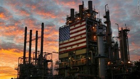 Trong-ngoài OPEC không tăng sản lượng dầu: Bẻ gãy cây gậy Mỹ