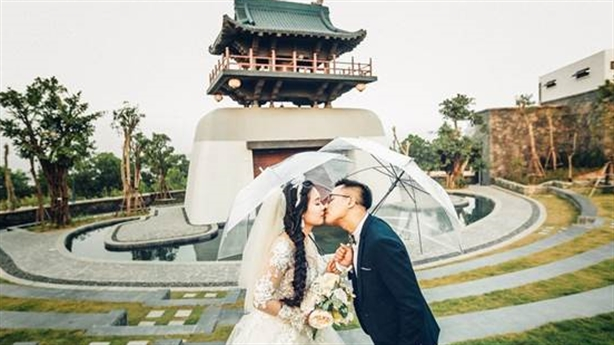 Thiên đường chụp ảnh cưới khiến các cặp đôi mê mẩn
