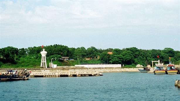 FLC xây khu du lịch đảo Cồn Cỏ: Được, nhưng phải...