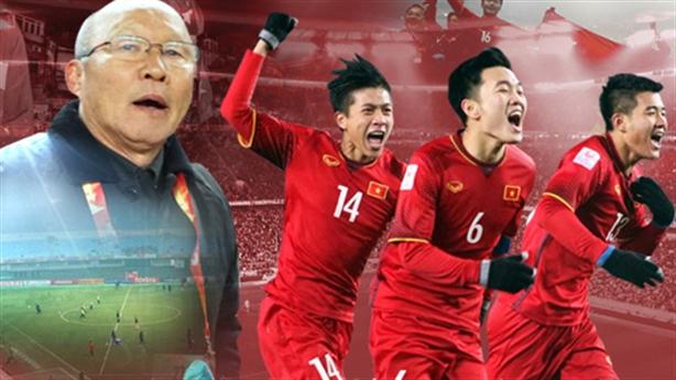Kiatisak xin rút lại tuyên bố 'coi thường' bóng đá Việt Nam