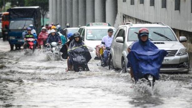 Gần 10 tỷ thuê máy bơm chống ngập đường Nguyễn Hữu Cảnh