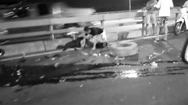 Thay lốp xe trên cầu:Thanh niên vẫy cảnh giới bị tông chết