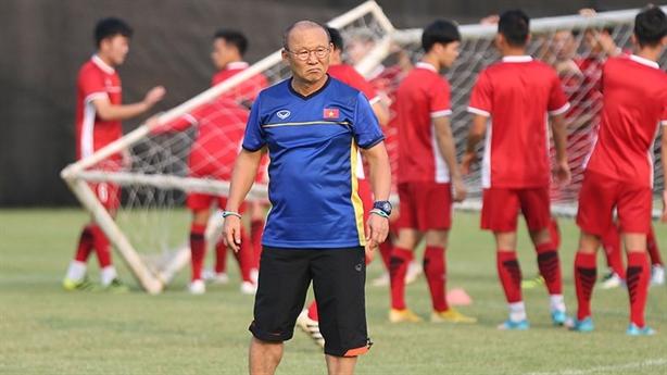 AFF Cup: Tuyển Việt Nam gặp khó đủ đường