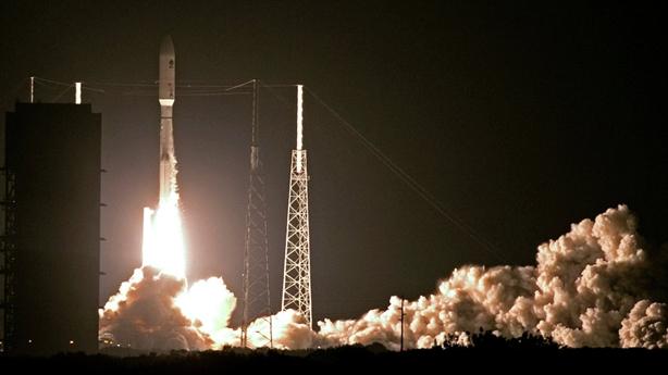 Mỹ bơm 1 tỷ USD thoát cảnh đi nhờ lên vũ trụ