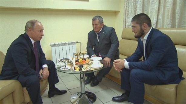 Tổng thống Putin ủng hộ Khabib sau trận thắng McGregor
