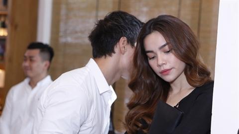 Hà Hồ 'phũ' chuyện kết hôn, có con cùng Kim Lý?