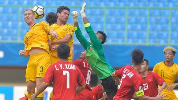 U19 Việt Nam bị loại: Thầy Tuấn đã hết cách