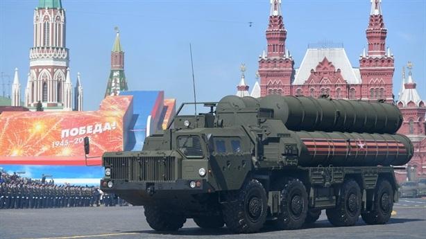 Nga bắt đầu loại USD ra khỏi hợp đồng vũ khí