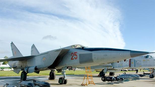 Vì sao báo Mỹ rụt rè chê MiG-25 là sản phẩm lỗi?
