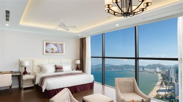 Thưởng ngoạn đại dương từ căn hộ khách sạn đẳng cấp