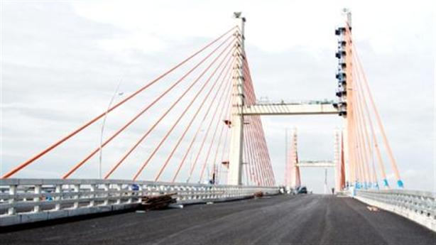 Cầu 7.300 tỷ lún võng, lái xe run tay: Sự thật khác