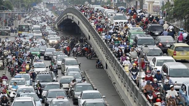 Ô tô tại Hà Nội chuẩn bị gánh thêm 3 loại phí