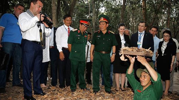 Ông Medvedev thăm Việt Nam: Xung lực mới cho quan hệ Việt-Nga