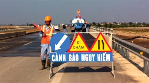 Nghi rải đinh trên cầu vượt biển Hải Phòng: Thu được 2kg